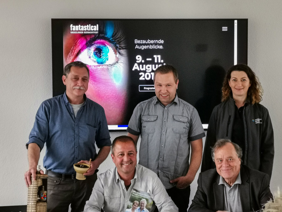 Die Teilnehmenden der Presseorientierung v.l.n.r: Manuel Hirt, Rolf Uhler jun., Ernst Brunner, Walter Fritschi und Ulrike Schmied